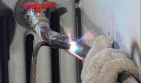 Сварка батарей отопления: горячая и холодная