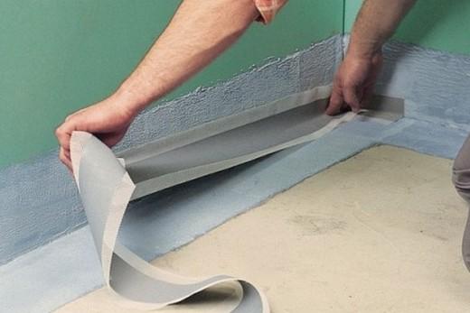 Эластичные ленты должны заходить на уплотнительные уголки