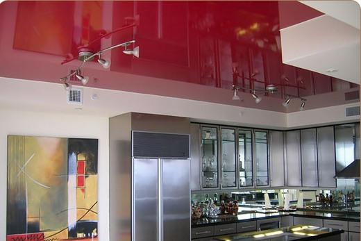 Глянцевый натяжной потолок - лучшее решение в рамках стилей хай-тек и модерн