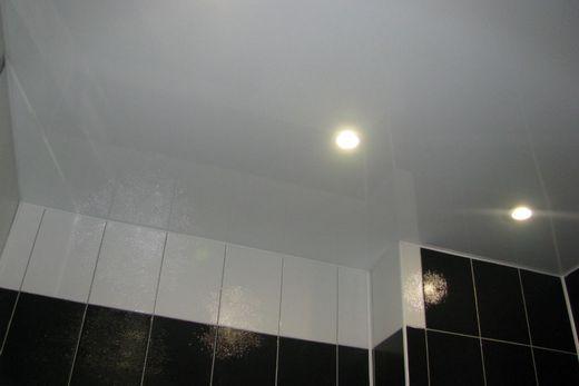 Шикарный глянцевый потолок