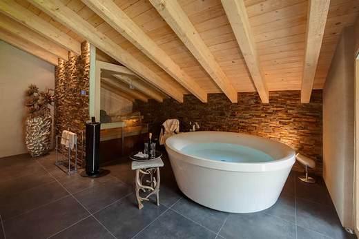 Акриловые ванны не так теплы, как о том пишут в рекламных проспектах