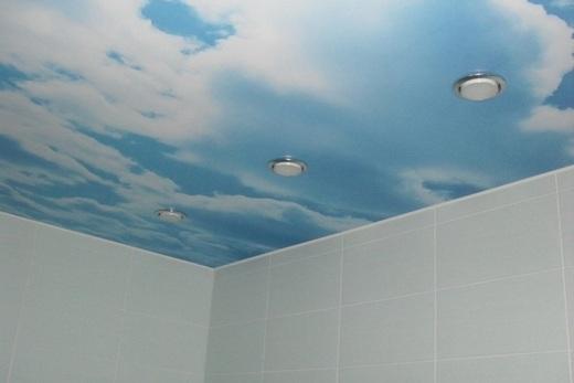 Натяжной потолок к ванной