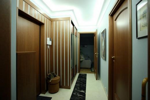 Открытая по фен-шую дверь в комнату