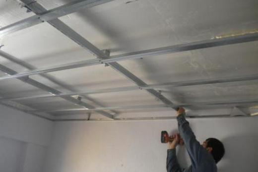 Соединение профилей каркаса потолка из гипсокартона