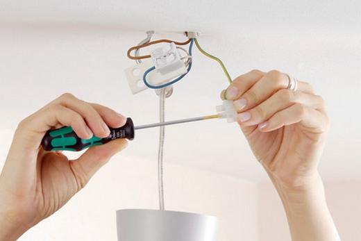 Подсоединение люстры к электросети