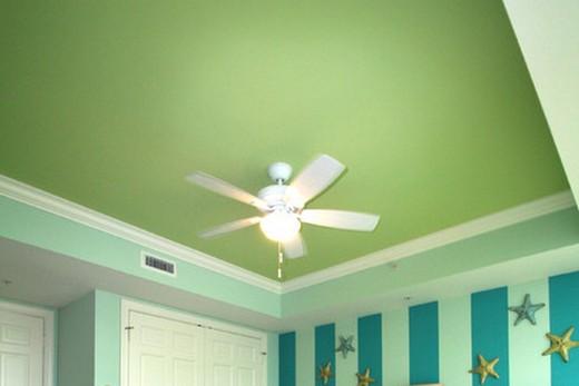 Зеленый потолок - для квартиры, где живёт преуспевающий человек