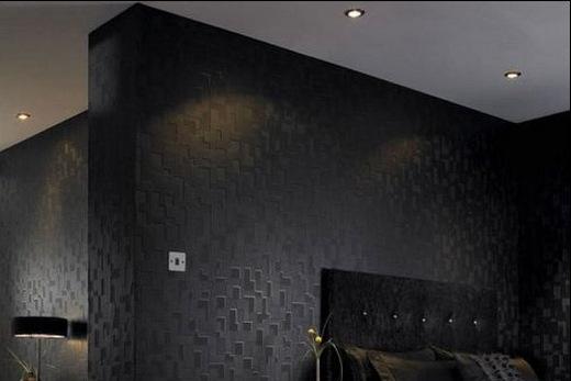 Темный потолок делает комнату темнее