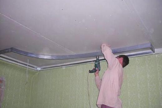 Крепёж направляющего профиля к потолку