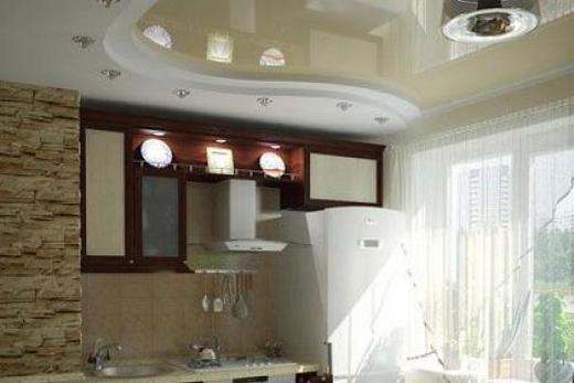Помещение с кремовым потолком