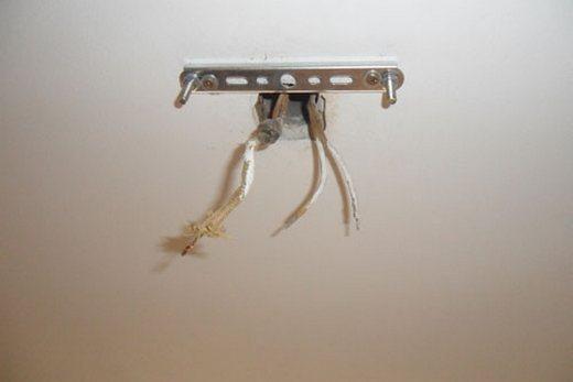 Стандартная планка для крепления люстры