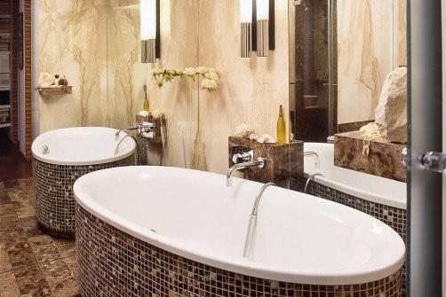 фото 19 зеркала в белой ванной 2