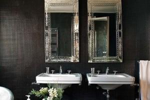 фото 33 зеркала в черной ванной 3