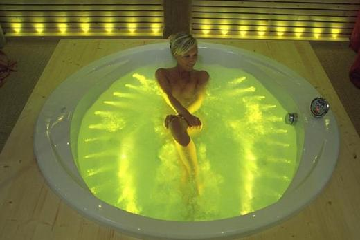 Подсветка в ванне