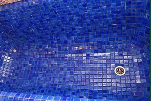 Отделка ванны мозаикой внутренняя