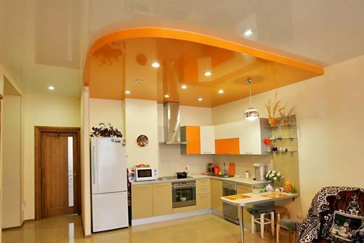 Антисептический натяжной потолок на кухне