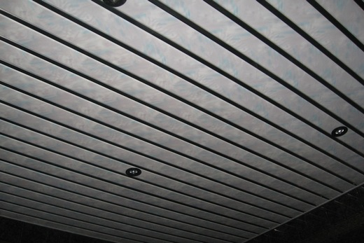 Реечный потолок своими руками в туалете