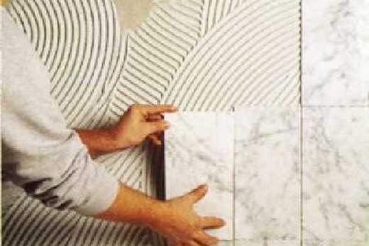 Монтаж кафельной плитки в туалете