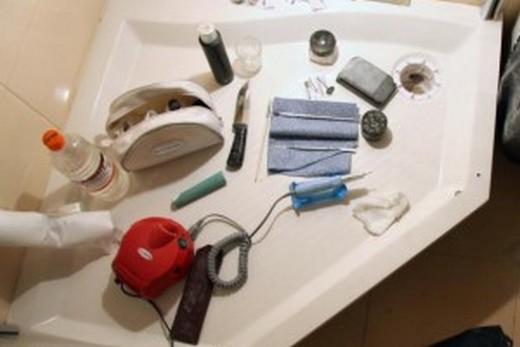 Материалы и инструменты для ремонта акриловых ванн