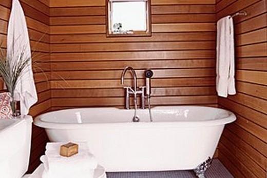 Ванная комната, отделанная вагонкой