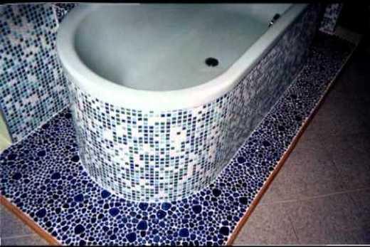 Мозаичная отделка ванны