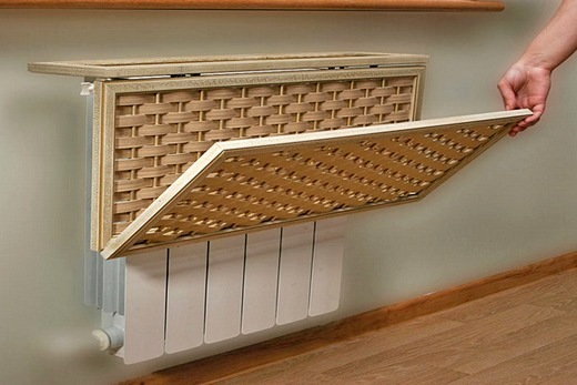 Интерьер дома с деревянным экраном на батарею-гармошка