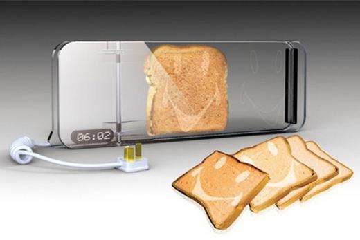 Прозрачный тостер с функцией создания рисунка на выпечке