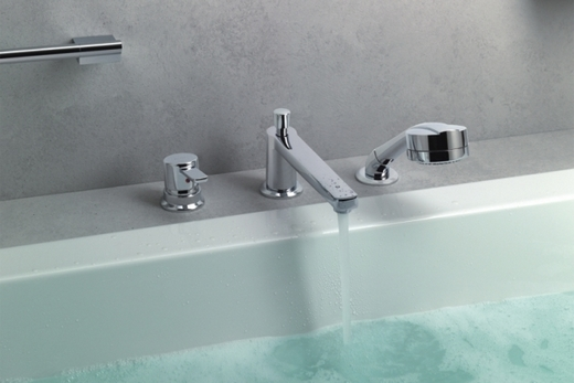 Встроенный в борт ванны смеситель, фото