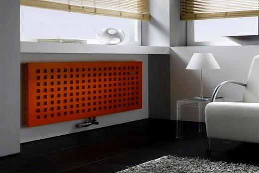 Комната в хай-тек стиле с экраном на радиаторе