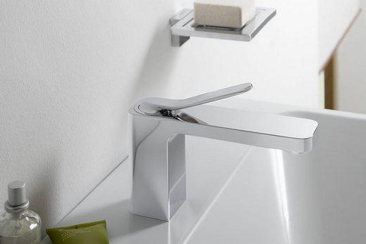 Однорычажный кран для раковины в ванной комнате