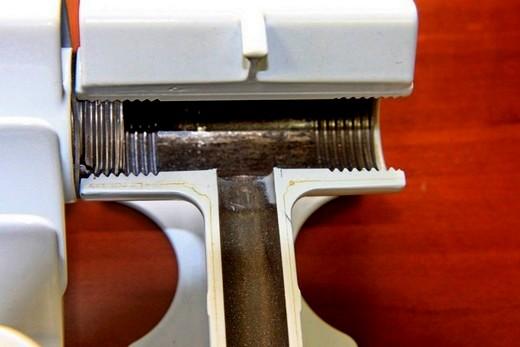 Биметаллический радиатор бренда Оазис: секция в разрезе