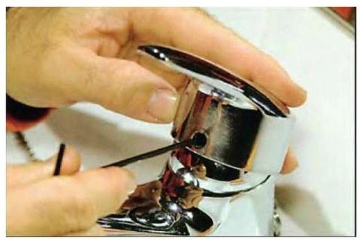 Снятие декоративной заглушки своими руками