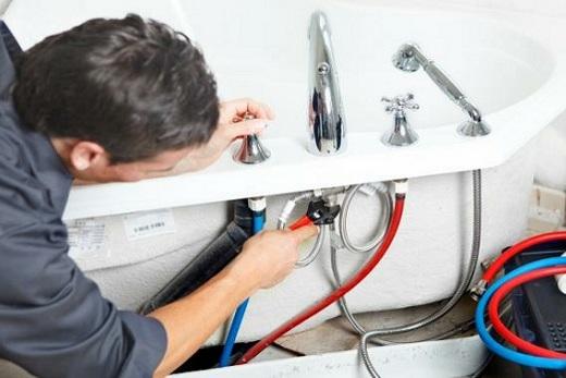 Ремонт смесителя с термостатом в ванной
