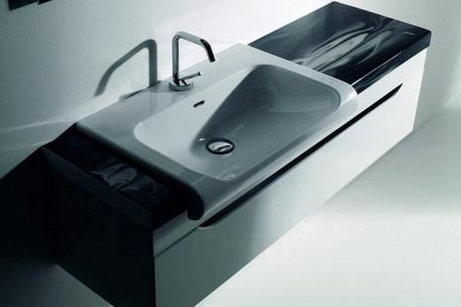 Подвесная раковина в стиле хай-тек в интерьере ванной, фото