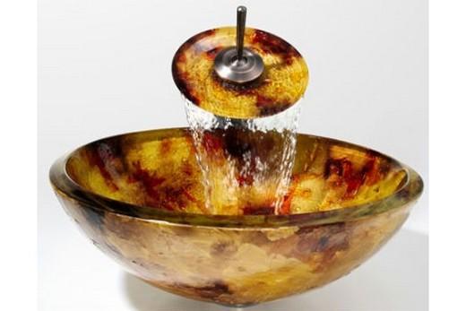 Пример применения необычного цветового решения в раковине-чаше, фото