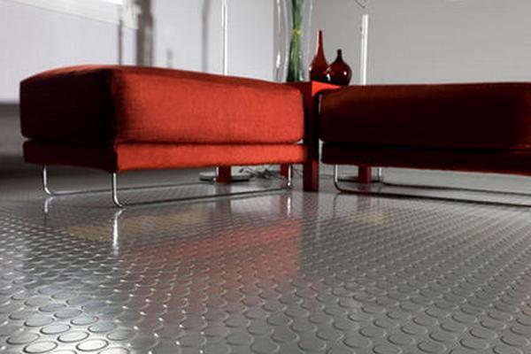 Резиновое покрытие на полу