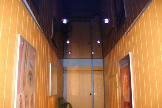 Натяжной потолок в коридоре, фото