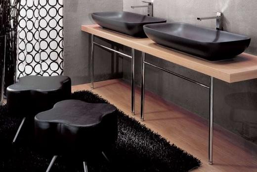 Две накладных раковины в интерьере ванной, фото