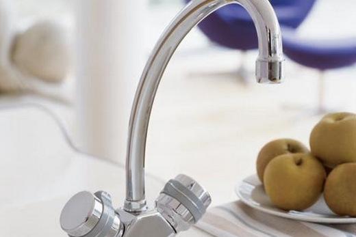 Вентильный кран на кухне, фото