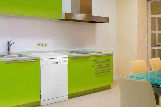 60-сантиметровая отдельно стоящая посудомоечная машина
