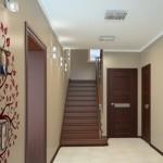 Интерьер коридора в коттедже