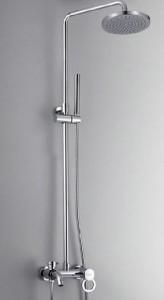 Душевая стойка в интерьере ванной