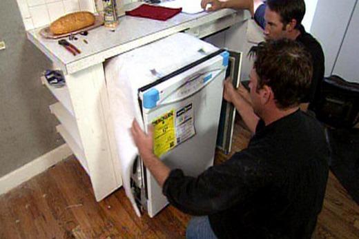 Установка встраиваемой посудомоечной машины шириной 45 см, фото