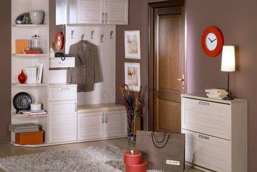 Узкий шкаф-вешалка для маленькой прихожей, фото