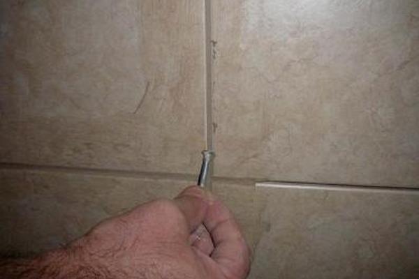 Профилирование швов при помощи фигурной лопатки