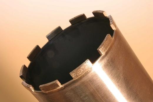 Фреза с алмазным напылением на режущих кромках для проделывания отверстий в керамике