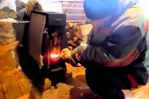 Печь «Огонь батарея»: заправка дровами