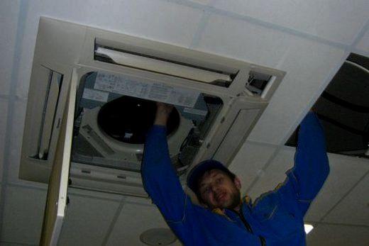 Демонтаж кондиционера кассетного типа