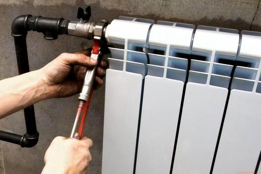 С помощью резьбового соединения подключение батареи отопления