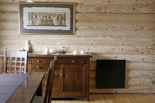 Интерьер кабинета с радиатором из керамики