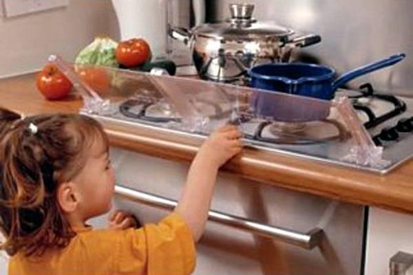 Прозрачный экран для кухонной плиты